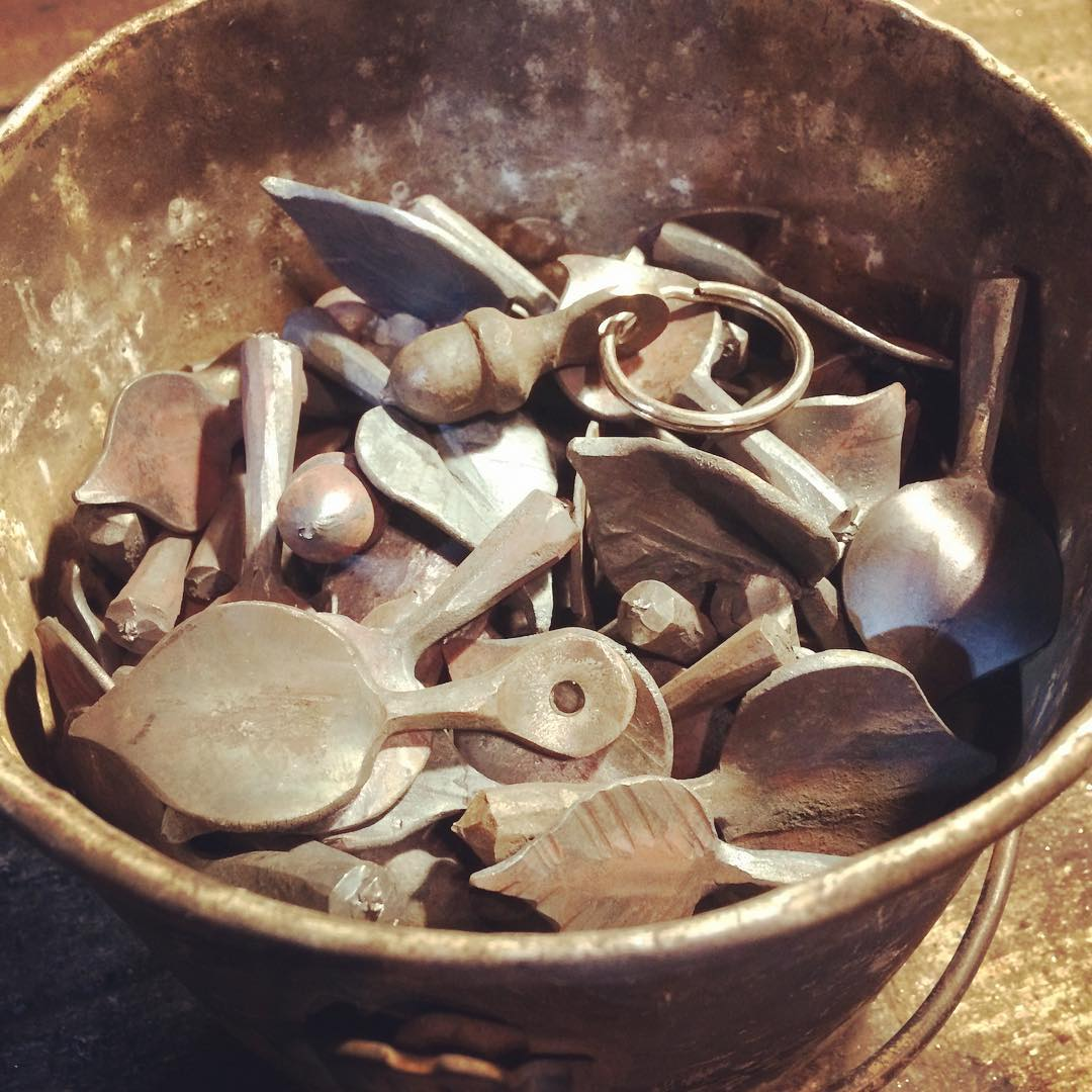 A whole pot of key fobs. #forged #mbcraft #handmade #acorn #leaf