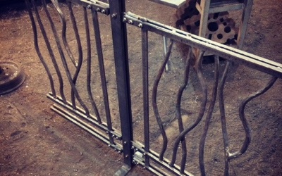 A first look at the railing sample. Just in time to end the year. See y'all in 2018. #blacksmith #forged #railing